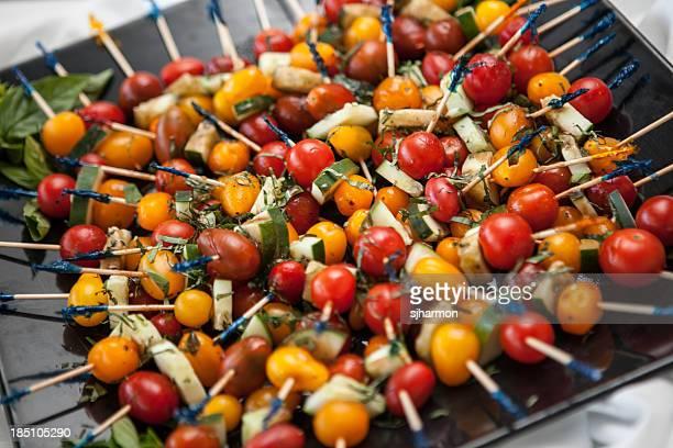 Mini Kebabs de cerises rôties et des chaussures à semelles compensées Tomatos Zuchini 1