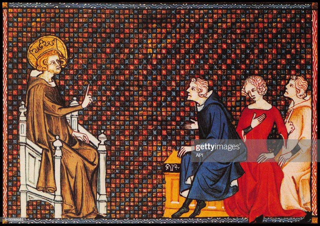Louis IX enseigne la justice à ses enfants : News Photo