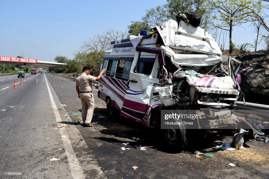 IND: 2 Killed, 16 Injured After Buses Collide On Mumbai-Pune Expressway