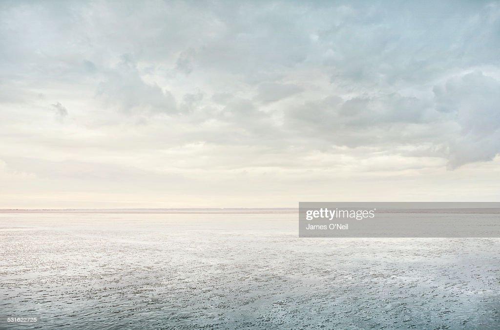 Minimalist Beach Reflection : Stock-Foto