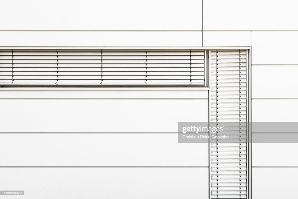 Minimalistic Office Facade in White : Stock-Foto