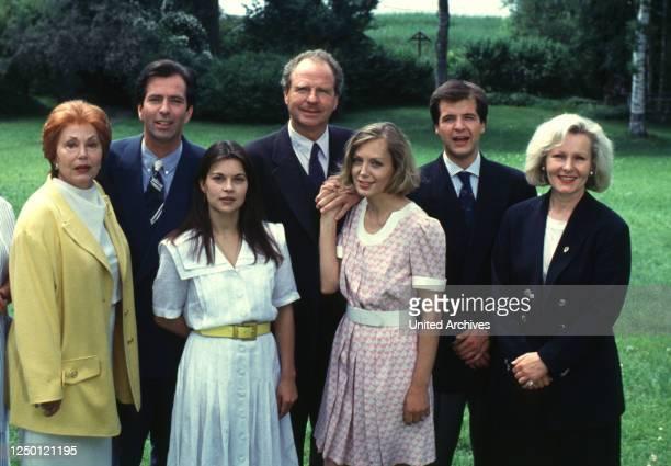 Mini-Serie D 1993, Regie: Gero Erhardt, LOLA MÜTHEL, HANS SCHENKER, LISA WOLF, FRIEDRICH VON THUN, CONSTANZE ENGELBRECHT, MAREK ERHARDT, ROSEL ZECH.