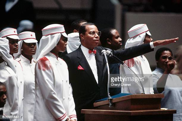Minister Louis Farrakan of the Nation of Islam addresses a crowd at Madison Square Garden