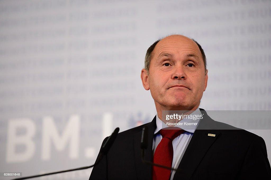 Fotos und Bilder von Austrian Authorities Confirm Election Result ...