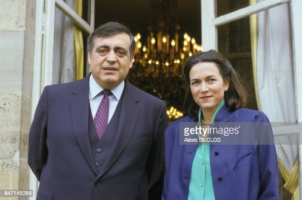 Minister of Social Affairs Philippe Seguin and Minister of Health Michele Barzach on March 26 1986 in Paris France