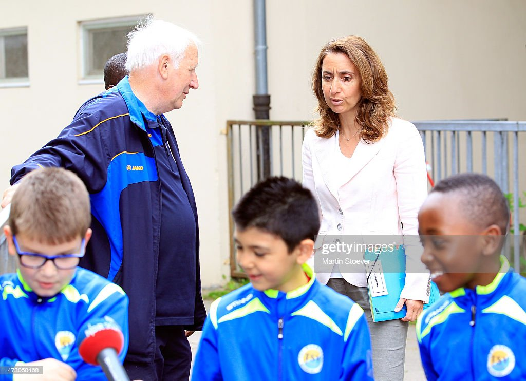 Minister Of State For Migration, Refugees And Integration Aydan Oezoguz Visits TSV Wandsetal on May 12, 2015 in Hamburg, Germany.