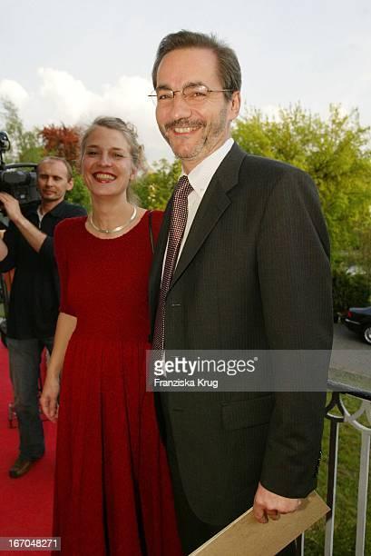 Ministerpräsident Matthias Platzeck Und Jeanette Jesorka Bei Der Verleihung Des Montblanc De La Culture Arts Patronage Award 2003 Im Palais...