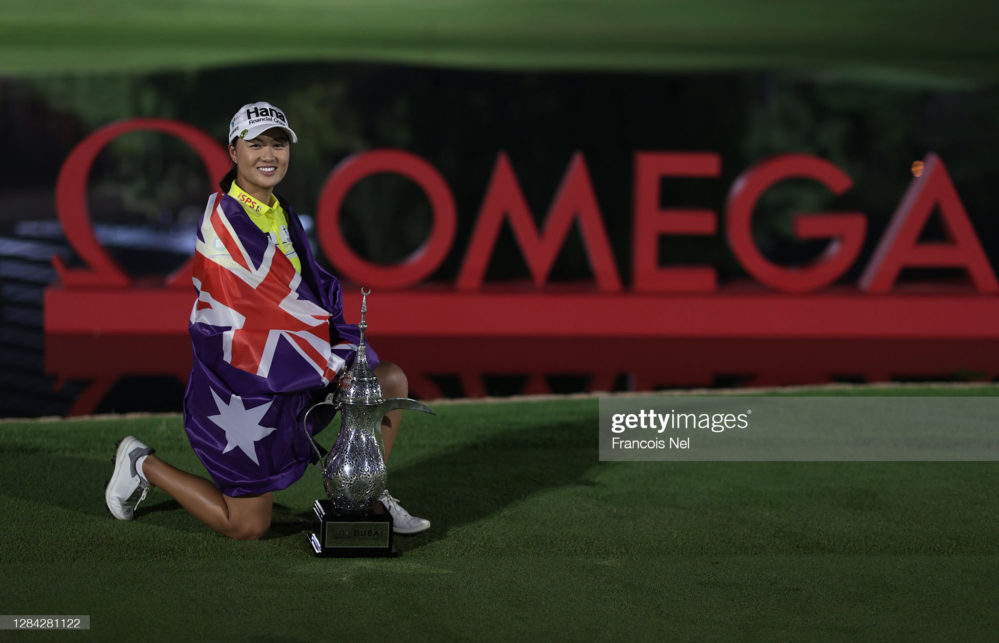 https://media.gettyimages.com/photos/minjee-lee-of-australia-with-the-winners-trophy-after-the-final-round-picture-id1284281122?s=2048x2048
