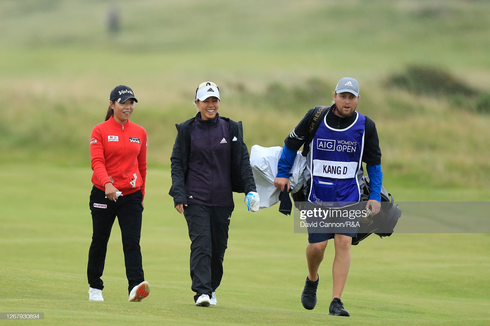 https://media.gettyimages.com/photos/minjeelee-of-australia-walks-with-daniellekang-of-the-united-states-picture-id1267930894?s=2048x2048