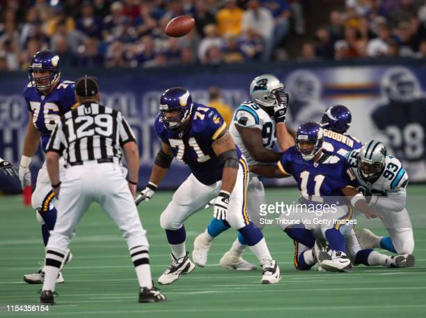 9/22/02 Minneapils MN Vikings defested by Carolina Panthers at the Metrodome 2114 now have a record of 03 IN THIS PHOTO Viking quarterback Dante...
