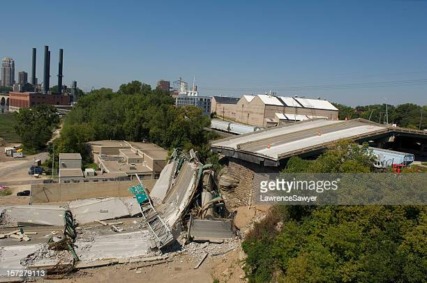 Minneapolis bridge collapse clean-up