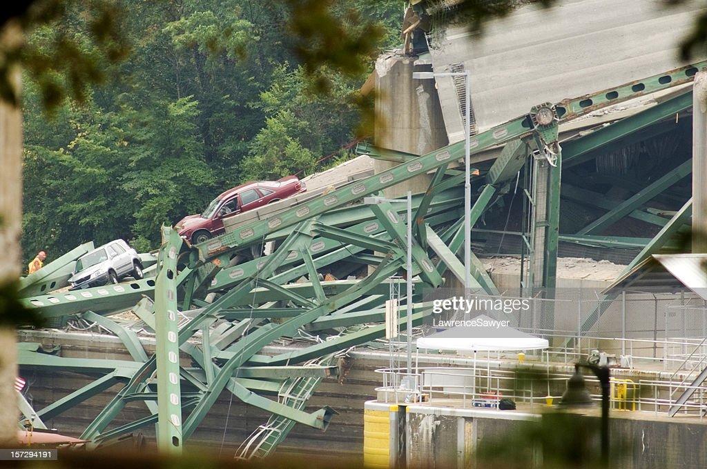 Minneapolis bridge collapse : Stock Photo