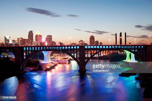 minneapolis cityscape - minneapolis stock photos and pictures