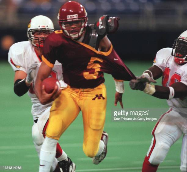 Minneapolis - Metrodome - Saturday Sept. 18 - UM vs. Illinois State football -- Gopher quarterback Billy Cockerham breaks away from Illinois State...