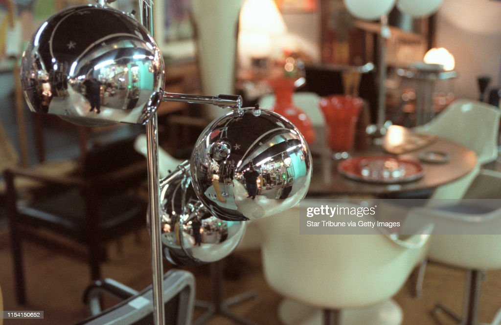Minneapolis Mn Thursday 11 2 2000 70 S Style Chrome Ball Lamps News Photo Getty Images