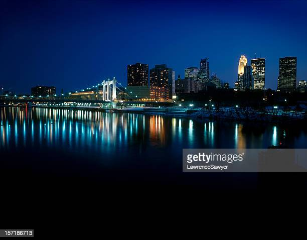 minneapolis, on the mississippi river - river mississippi stock photos and pictures