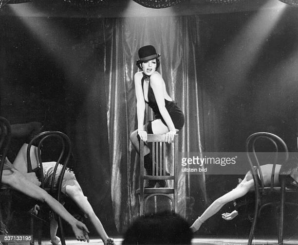 Minnelli, Liza , Schauspielerin, Saengerin, USA, - Szene aus dem Film 'Cabaret', Regie: Bob Fosse, USA, - 1972