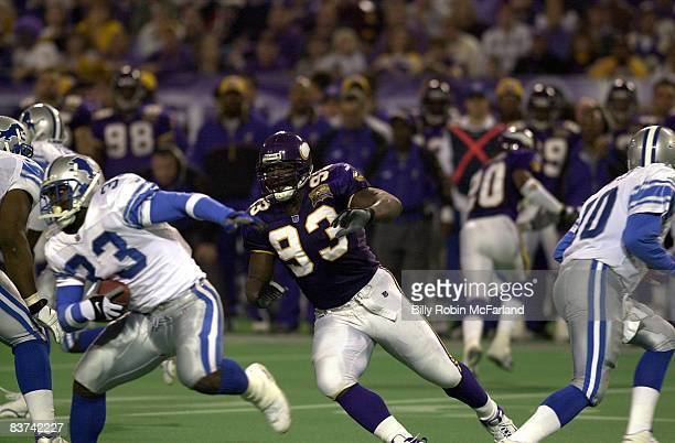 Minnesota defensive tackle John Randle in a 2417 Vikings win over the Detroit Lions on November 30 2000 at the Metrodome in Minneapolis Minnesota