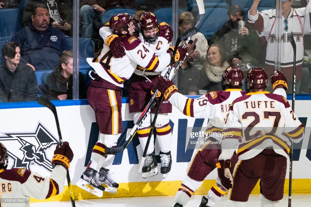 NCAA HOCKEY: APR 13 Div I Men's Championship Game - Massachusetts v Minnesota Duluth : News Photo
