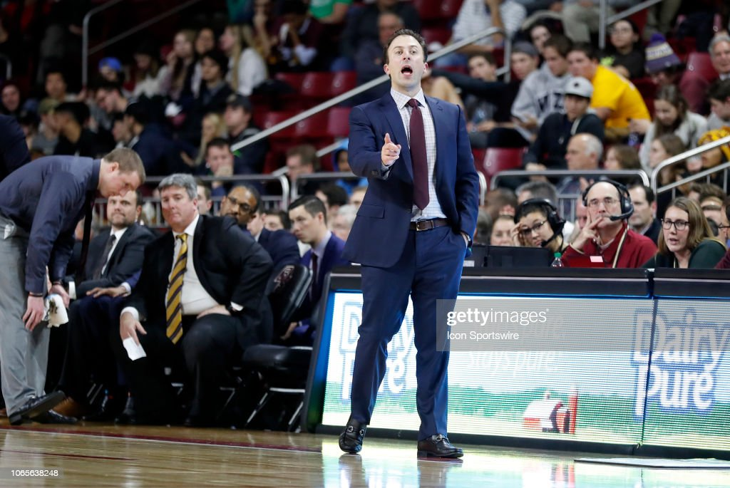 COLLEGE BASKETBALL: NOV 26 Minnesota at Boston College : News Photo