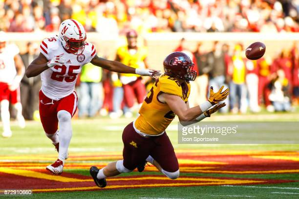 Minnesota Golden Gophers tight end Brandon Lingen dives for a catch during the Big Ten Conference game between the Nebraska Cornhuskers and the...