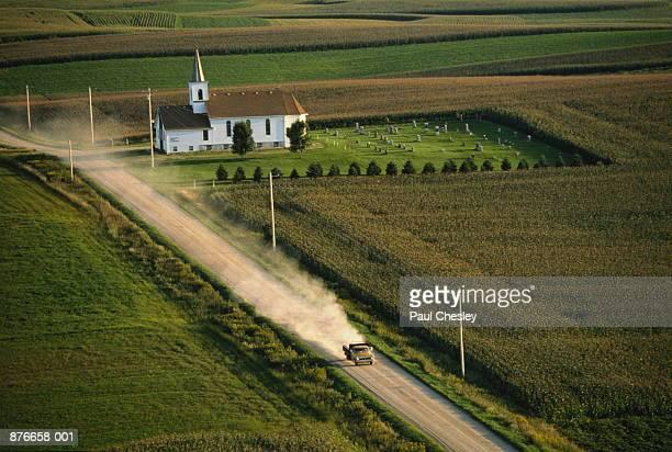 usa, minnesota, goodhue county, church and farmland, elevated view - mittlerer westen stock-fotos und bilder