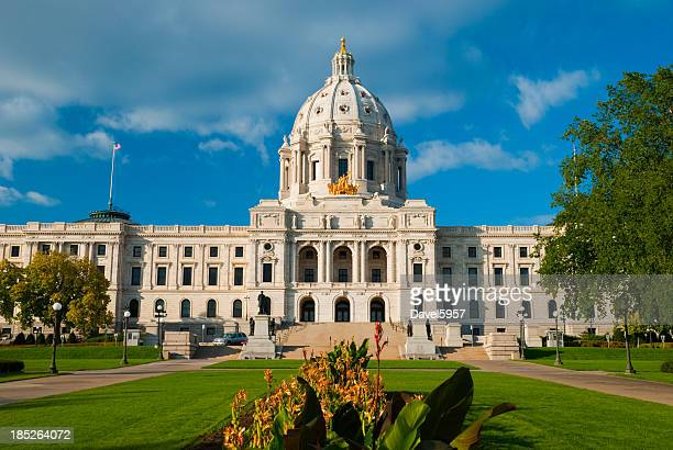 minnesota state capitol building front view - st. paul minnesota stock pictures, royalty-free photos & images