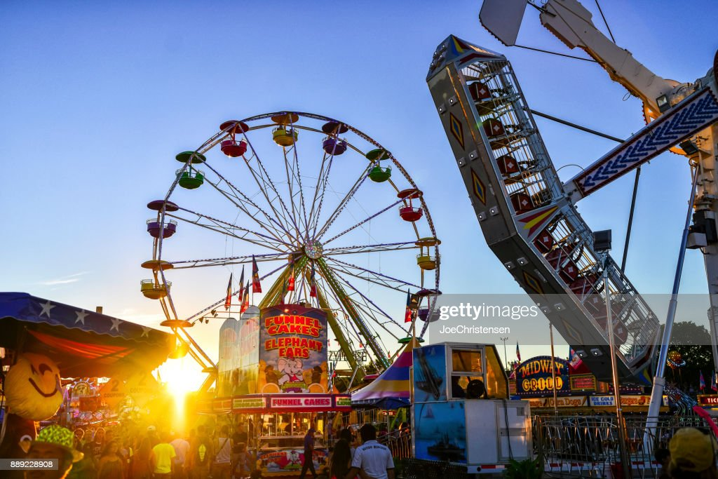 Mn State Fair Park And Ride 2020.Minnesota State Fair Midway Rides And Sun High Res Stock