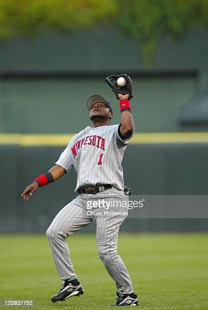 Minnesota Twins 2nd Baseman, Luis Castillo, grabs a popup during the game against the Chicago White Sox July 24, 2006 at U.S. Cellular Field in...