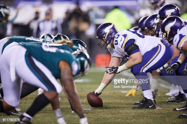 Minnesota Vikings center Pat Elflein gets ready to snap the football during the NFC Championship Game between the Minnesota Vikings and the...