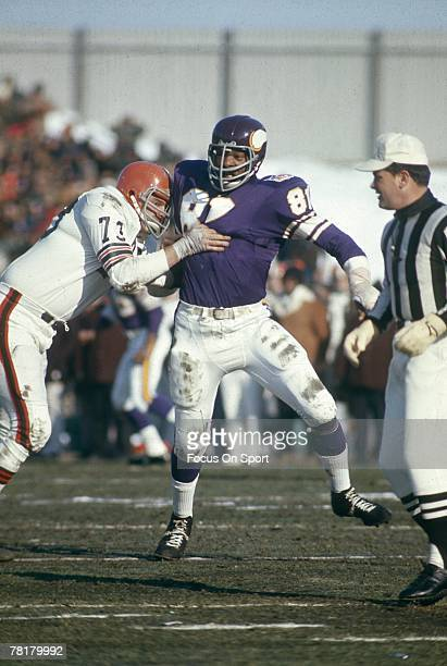 Minnesota Vikings CIRCA 1970s Carl Eller of the Minnesota Vikings is blocked by a Cleveland Brown opponent in a NFL game at Metropolitan Stadium in...