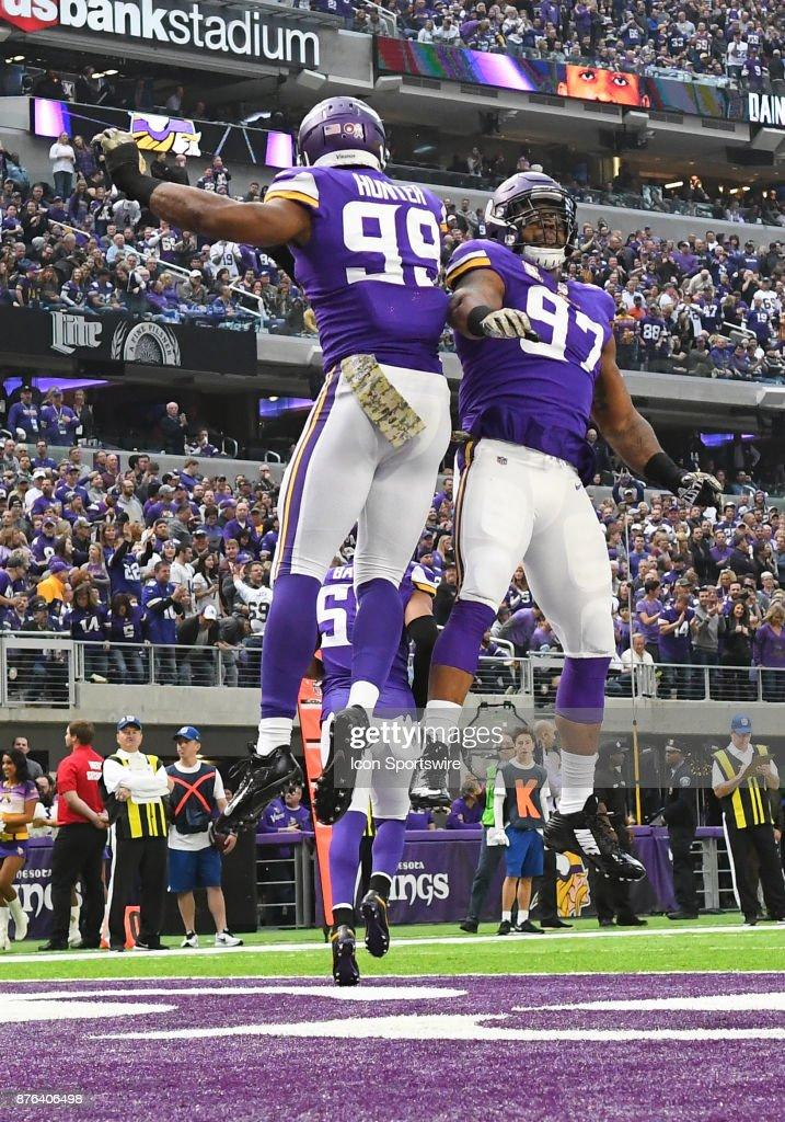 Minnesota Vikings defensive end Danielle Hunter celebrates his sack ... 8d9be3875