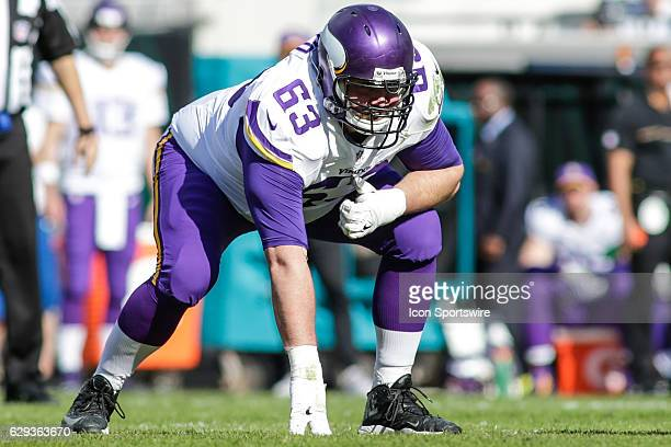 Minnesota Vikings Offensive Guard Brandon Fusco lines up for a play during the NFL game between the Minnesota Vikings and the Jacksonville Jaguars on...