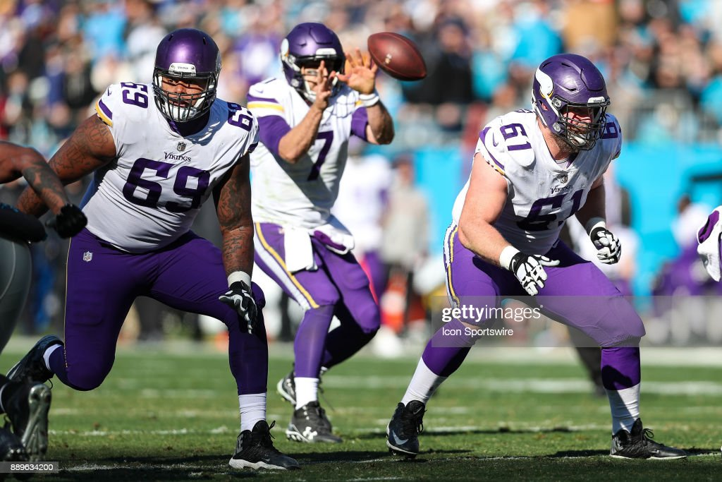 ... Minnesota Vikings offensive guard Joe Berger (61) and offensive tackle Rashod  Hill (69 ... 66e903469