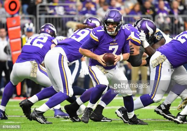 Minnesota Vikings quarterback Case Keenum looks to make the handoff during a NFL game between the Minnesota Vikings and Los Angeles Rams on November...