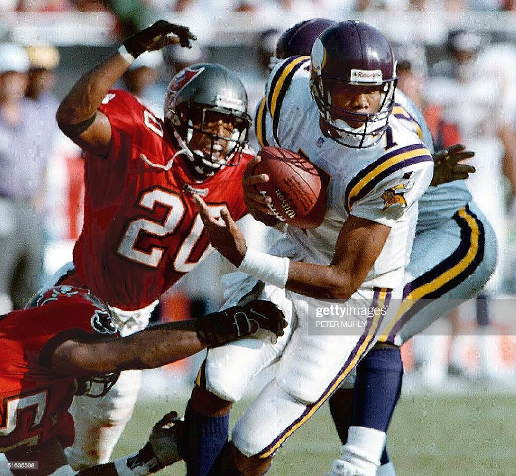 the latest 997b5 6fe95 Minnesota Vikings quarterback Randall Cunningham is sacked ...