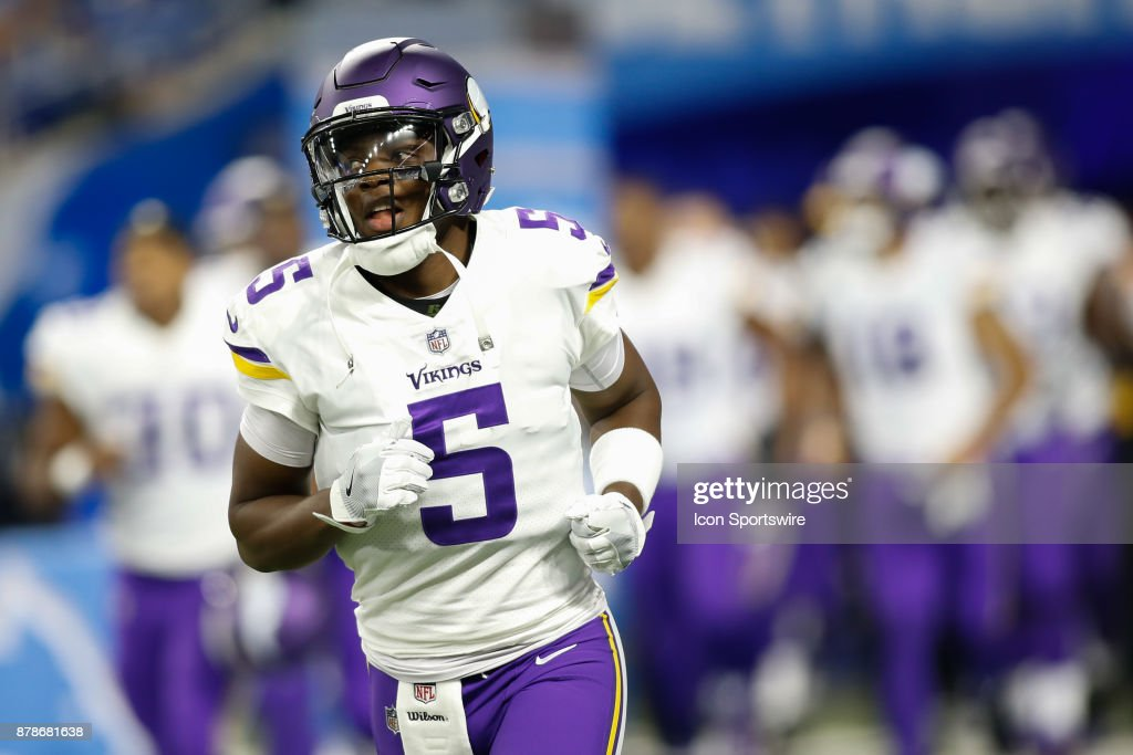 Minnesota Vikings quarterback Teddy Bridgewater (5) runs onto the field prior to the start of the game between the Minnesota Vikings and the Detroit Lions on November 23, 2017 at Ford Field in Detroit, Michigan.