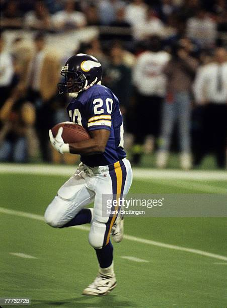 Minnesota Vikings running back Darrin Nelson carries the football during the Vikings 247 loss to the Washington Redskins in the 1992 NFC Wild Card...