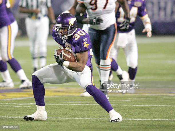 Minnesota Vikings running back Mewelde Moore in action during a game against the Chicago Bears on January 1 2006 in the Metrodome in Minneapolis...