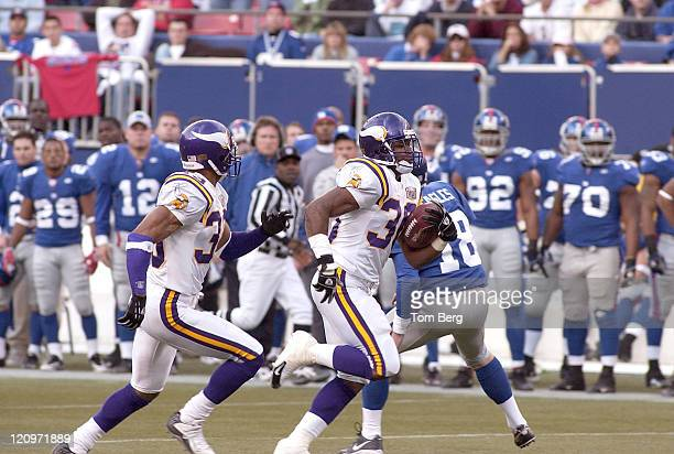 Minnesota Vikings running back Mewelde Moore on a punt backreturn for 71 yards for a score late in the third quarter with 527 on the clock during the...