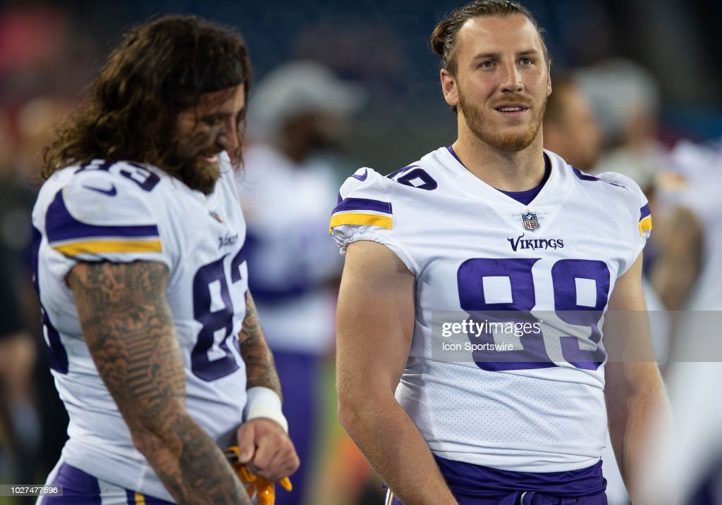 big sale 0da49 f9186 Minnesota Vikings tight end David Morgan and tight end Tyler ...