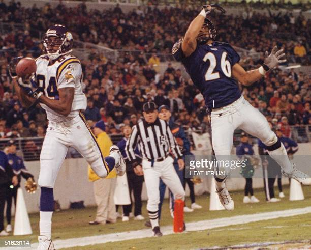 Minnesota Vikings wide receiver Randy Moss catches a touchdown pass in the second quarter of their game with the Baltimore Ravens in Baltimore...