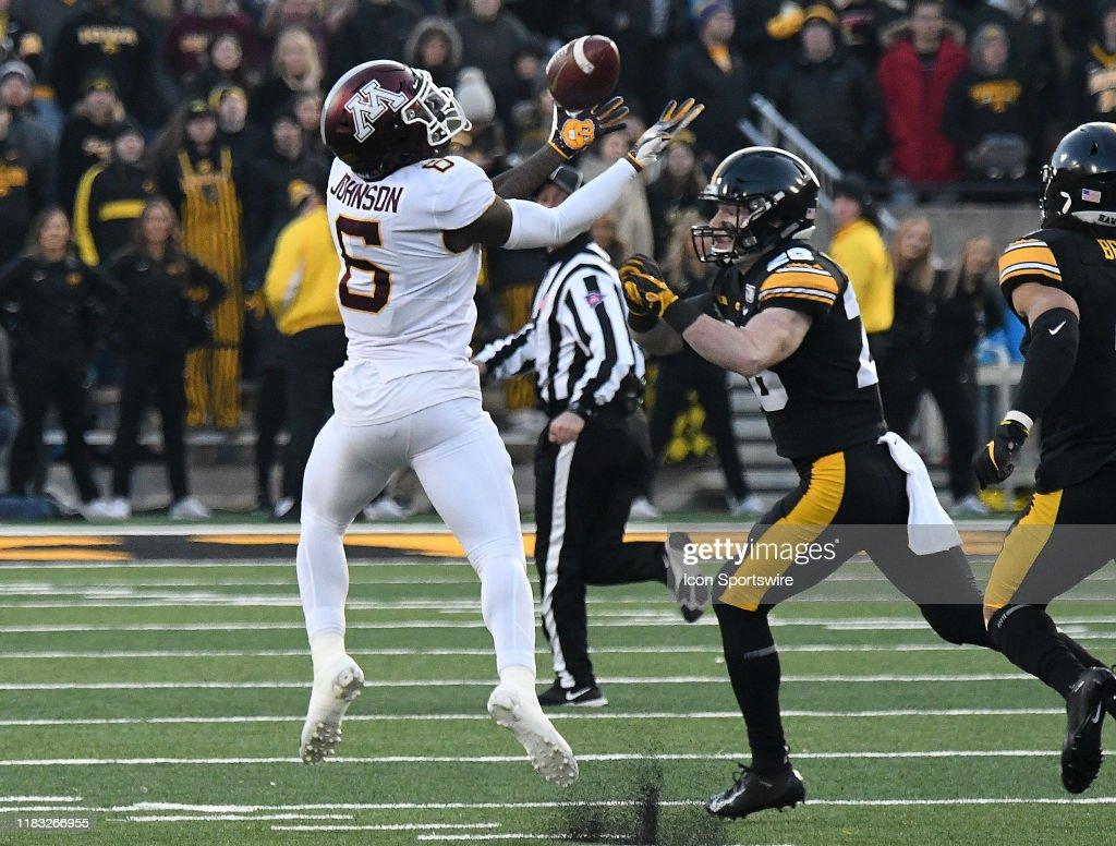 COLLEGE FOOTBALL: NOV 16 Minnesota at Iowa : News Photo