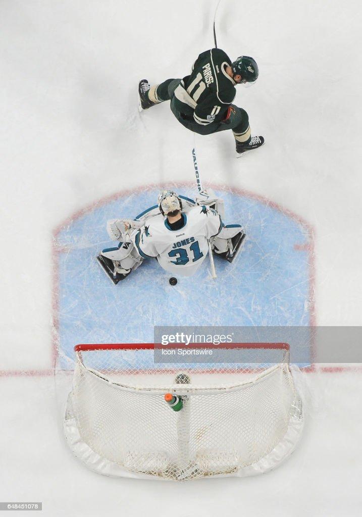 NHL: MAR 05 Sharks at Wild : News Photo