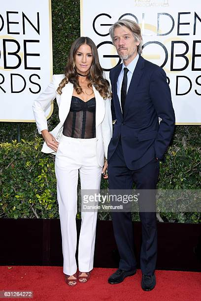 Minnie Mortimer and writer Stephen Gaghan attend the 74th Annual Golden Globe Awards at The Beverly Hilton Hotel on January 8 2017 in Beverly Hills...