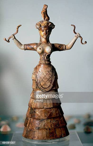 Minoan Art Island of Crete The younger snake goddess from the palace of Knossos C 1600 BC Heraklion Archaeological Museum Greece