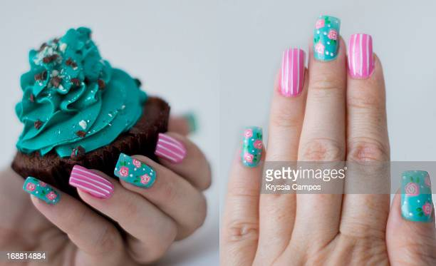 Mint and rose nails