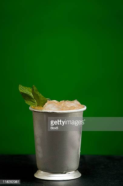 mint julep - mint julep stock pictures, royalty-free photos & images