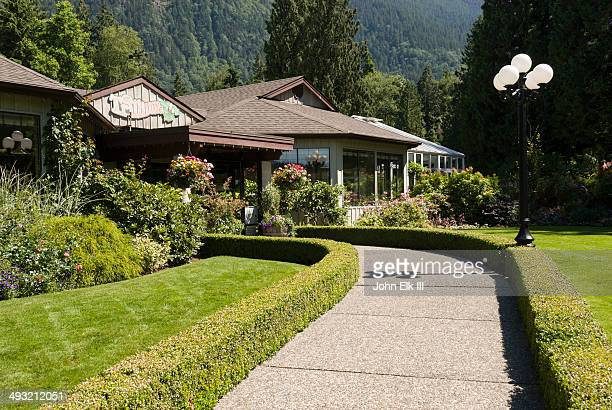 Minter Gardens visitor center