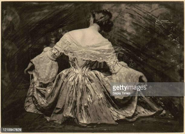 Minuet printed 1909, Photogravure, 12.7 x 17.7 cm , Photographs, Frank Eugene .